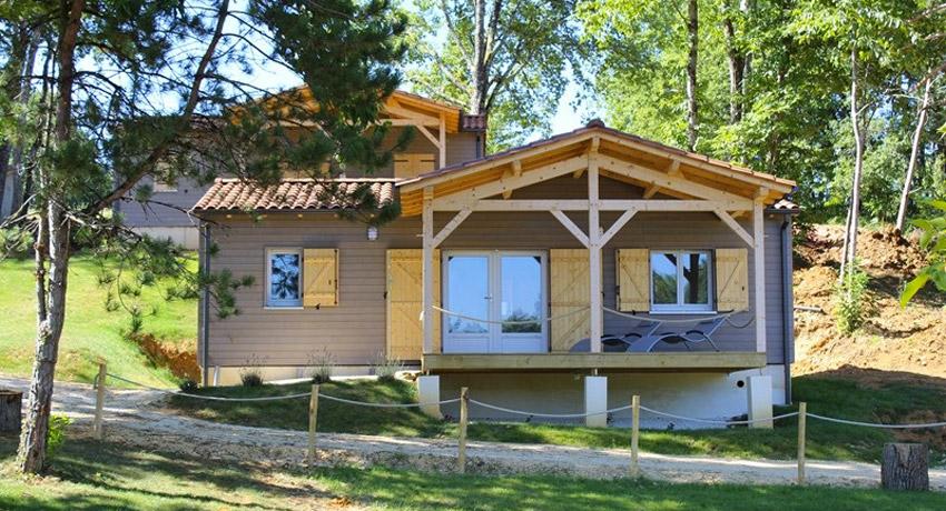 Location de vacances en Dordogne chalet bois # Les Chalets Du Bois De La Pause