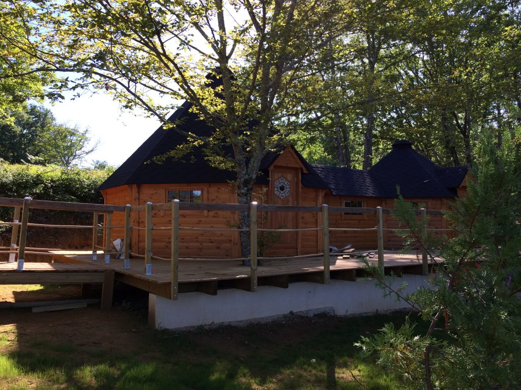 ouverture prochaine d 39 un nouvel h bergement aux chalets du bois de la pause les chalets du. Black Bedroom Furniture Sets. Home Design Ideas